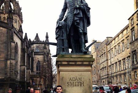 Liberalizmin babalarından Adam Smith