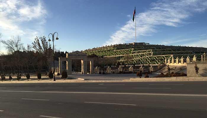Nahçivan Bayrak Meydanı - Nahcıvan Gezilecek Yerler