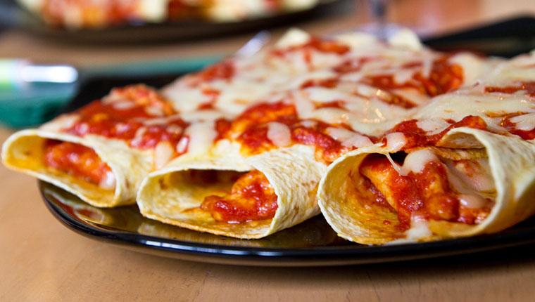 Parmaklarınızı Yedirtecek Bir Meksika Yemeği: Enchilada