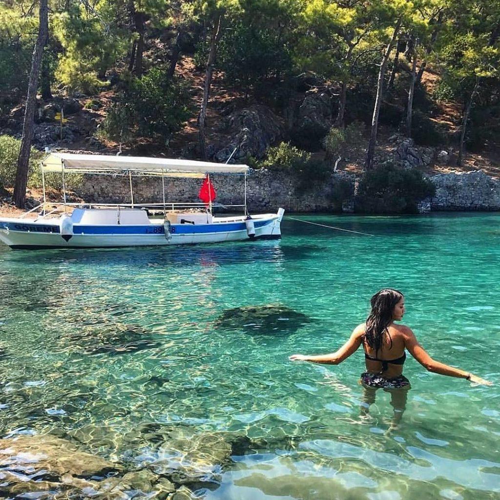 Bodrum tekne turunda gidilen koyların güzelliği.
